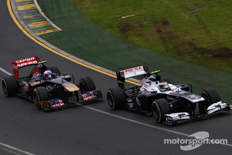 Williams to run at Jerez, Toro Rosso passes crash tests