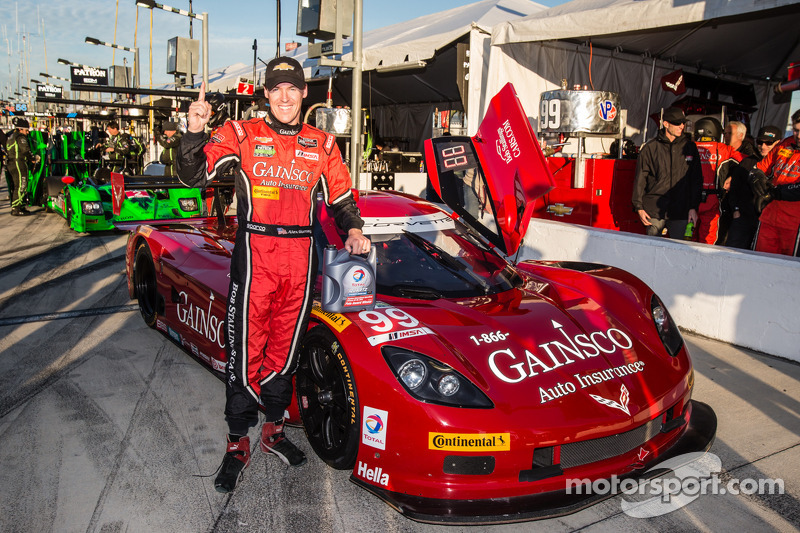 Gurney takes Daytona 24 pole, Daytona Prototypes dominate qualifying