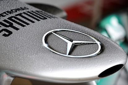 Three 2014 cars on track on Friday - video