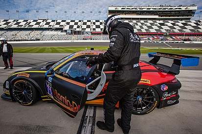 Broken radiators make Daytona 24 a difficult race for Norbert Siedler