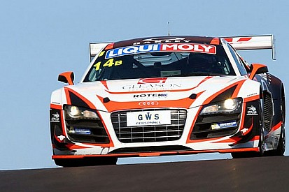 Oliver Gavin storms to class pole at Bathurst