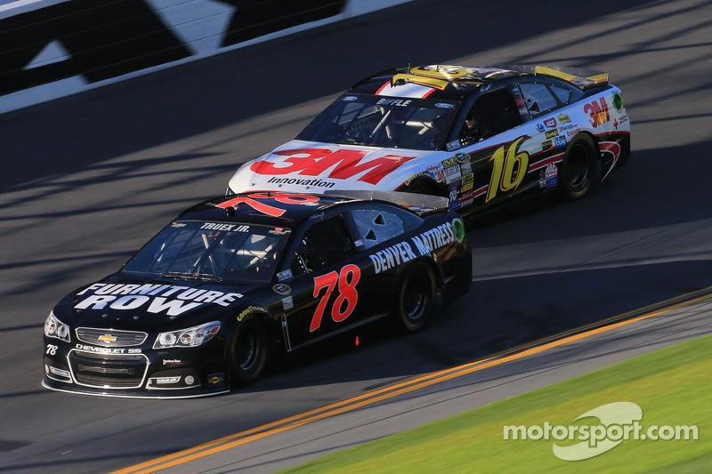 Martin Truex Jr. experienced motor problems on lap 31 of the Daytona 500