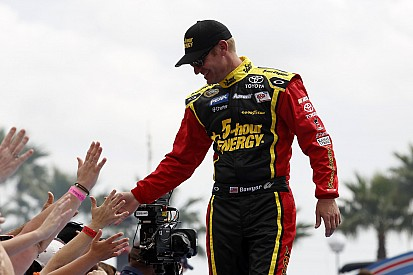 Clint Bowyer and Michael Waltrip Racing ready to shine in Phoenix