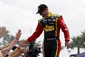 NASCAR Cup Preview Clint Bowyer and Michael Waltrip Racing ready to shine in Phoenix