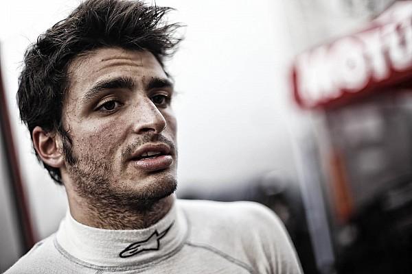 Carlos Sainz Jr. takes over at Motorland