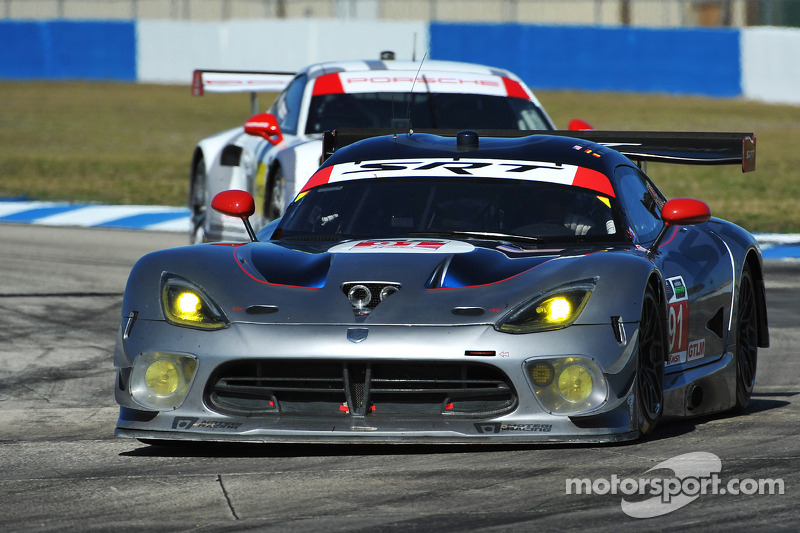SRT Viper team leads first GTLM segment of Tequila Patrón North American Endurance Cup at Sebring