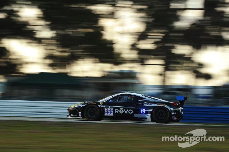 AIM Autosport nearly wins in Sebring