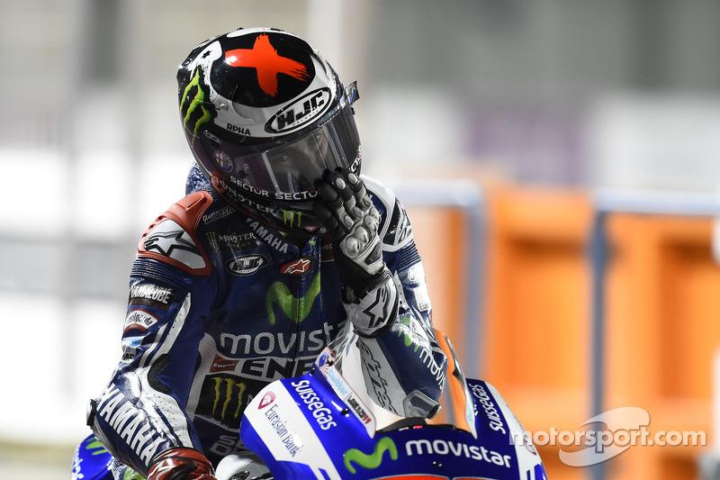 Lorenzo takes fifth in tense Qatar qualifying