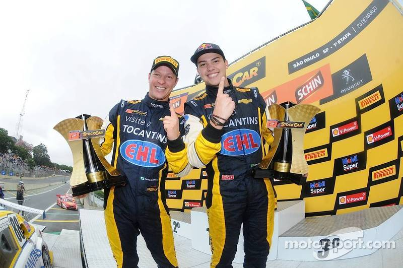 Felipe Fraga and Sperafico win the first race of the 2014 StockCar Brazil season