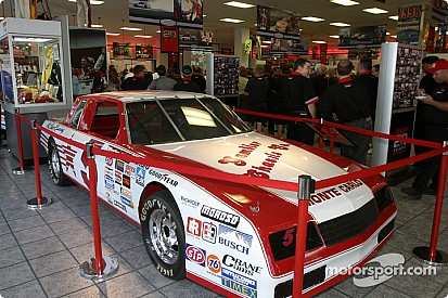 Chevrolet recognizes Hendrick Motorsports for 30 years of success at Martinsville Speedway