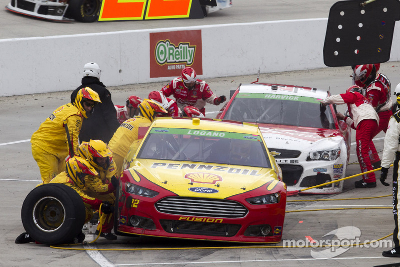 Logano voices concern over Goodyears at Texas
