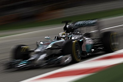 Lewis Hamilton fastest in third Bahrain free practice dominated by Mercedes-powered cars