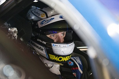 Mark Winterbottom claims his first victory of 2014 at Winton