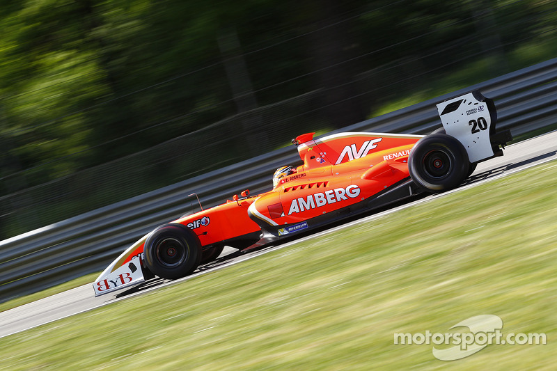 AVF cruises to the top-5 in Race 1 at Alcaniz