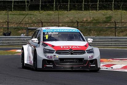 Muller defeats teammate López for pole position