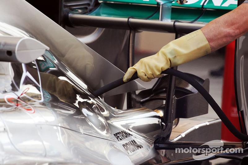Pump up the volume: Mercedes to test 'megaphone' exhaust in practice