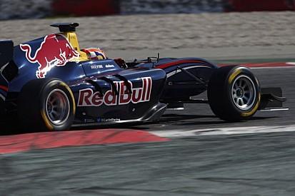 Alex Lynn flies to maiden pole in Barcelona