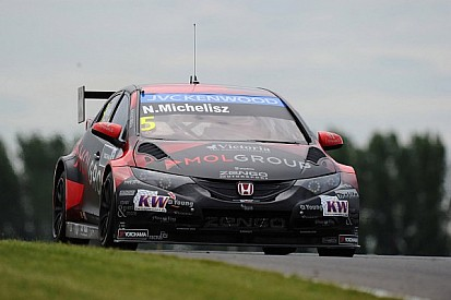 Honda Civic fourth fastest in dramatic qualifying for Slovakia Ring event