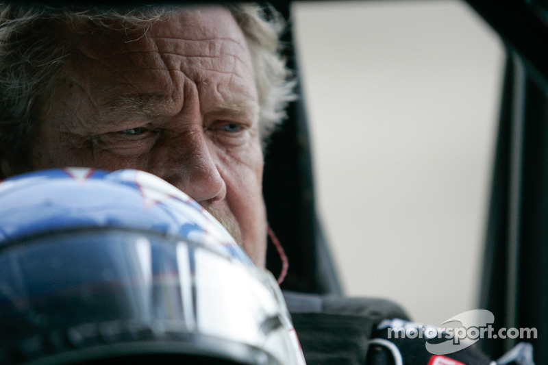 Kinser coming to Charlotte this Friday