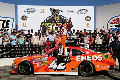 Kyle Larson rewards new sponsor with a win
