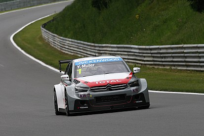 Muller takes Race One victory ahead of Coronel