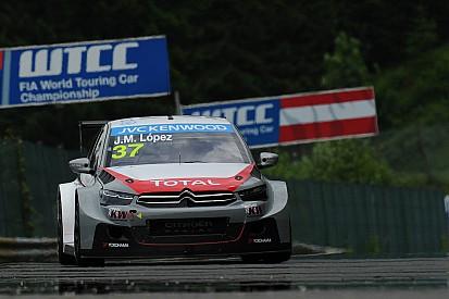 López beats a Honda trio in Race Two