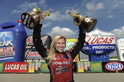 Funny car driver Courtney Force earns 100th victory for females