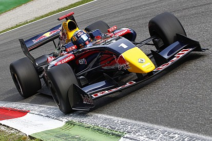 Carlos Sainz untouchable at Spa-Francorchamps
