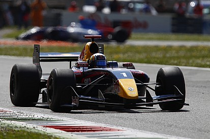 Carlos Sainz in a class of his own at Spa