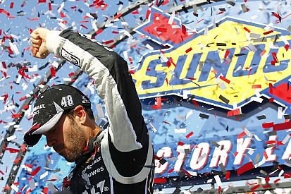 Johnson goes back-to-back with dominating victory at Dover