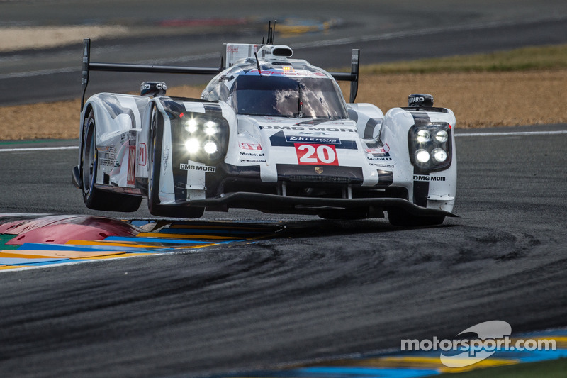 Goliath vs. Goliath: Porsche to the lead with just over three hours to go