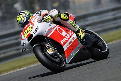 Iannone conquers ninth position and Hernandez eleventh