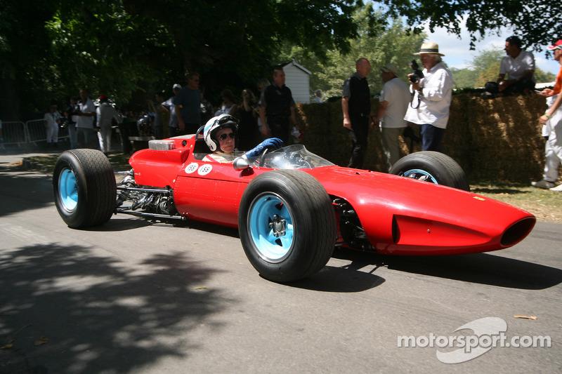 Shell to present John Surtees and Kimi Raikkonen at 2014 Goodwood