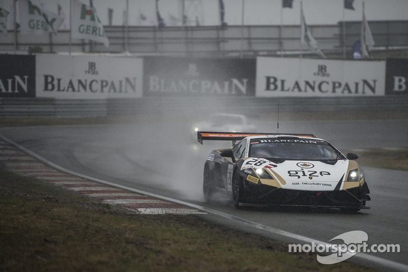 Wet qualifying race at Zandvoort goes to Bleekemolen and Proczyk