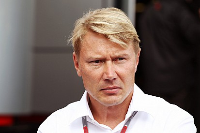 Raikkonen retirement talk 'not smart' - Hakkinen