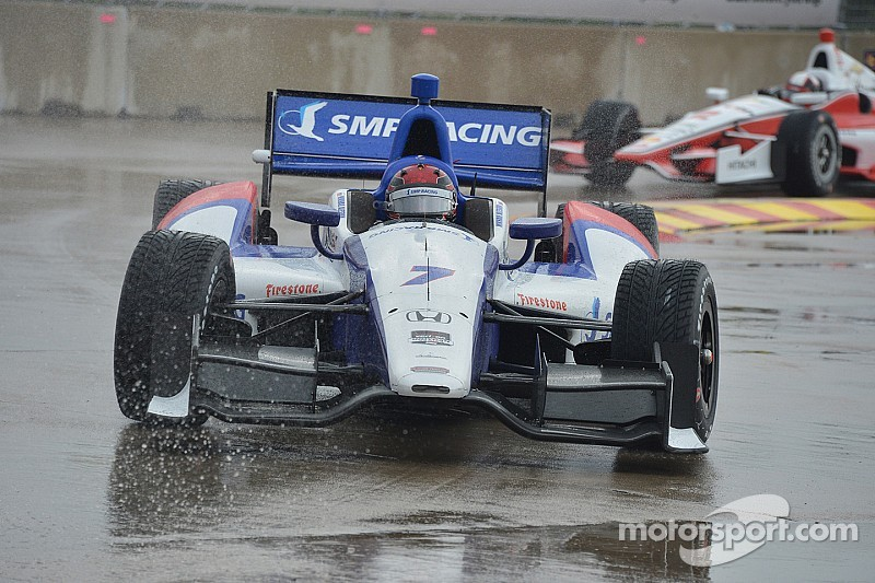 Aleshin lucky to escape scary accident unscathed when rain hits Toronto - video
