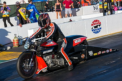 Andrew Hines wins bike battle at Sonoma