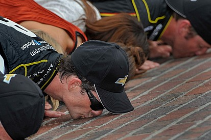 Jeff Gordon wins the Brickyard 400 for a record-setting fifth time