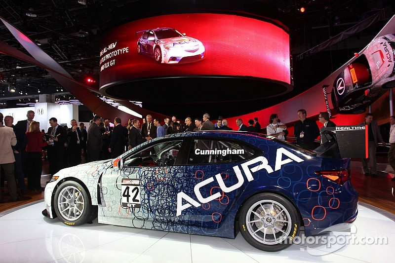New 2015 Acura TLX GT debuts at Pirelli World Challenge race this weekend