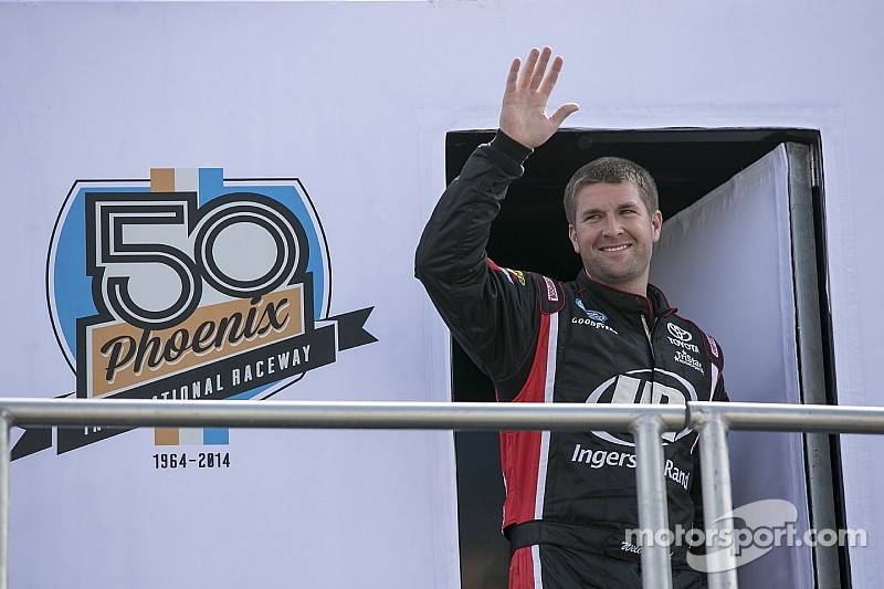 Allison, Kimmel battle to put a famous name back in stock car racing's victory lane