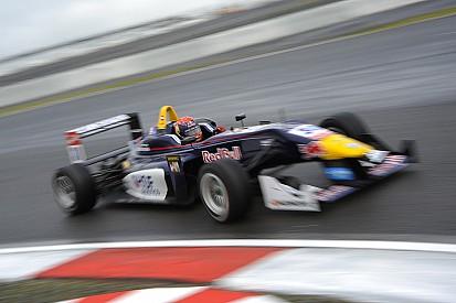 Verstappen wins rollercoaster race at Nurburgring