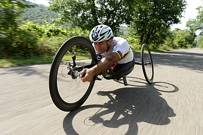 BMW works driver Alessandro Zanardi takes up the triathlon challenge in Hawaii