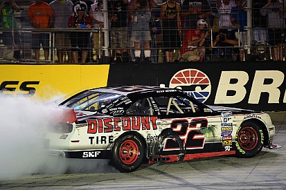 Blaney bests Busch at Bristol