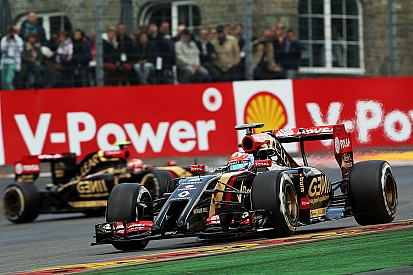 Grosjean emerged from the rain with fifteenth start position, Maldonado took P18
