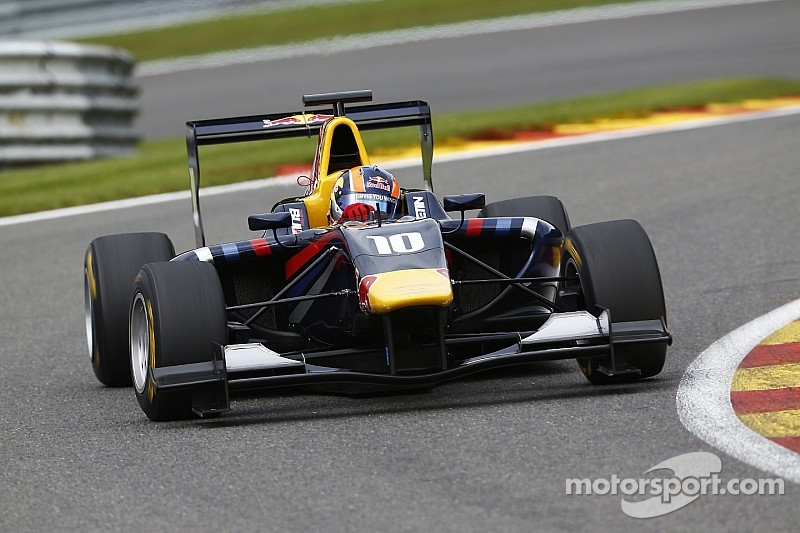 Lynn holds off Stanaway in Spa Race 2