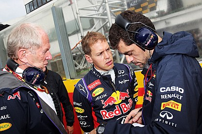 Struggling Vettel gets new engineer for 2015