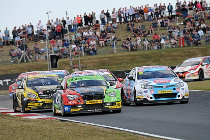 Colin Turkington edges closer to title as Rob Austin claims first win of 2014