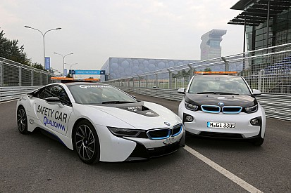 BMW i8 and BMW i3 in action as safety cars on the Beijing ePrix