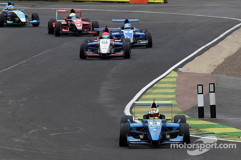 Hickin on top in officially timed testing for Silverstone finale