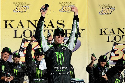 Kyle Busch overcomes Kansas 'curse' to win Nationwide race